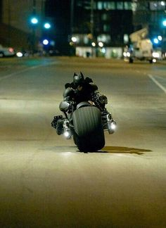 Batman on the Batpod - The Dark Knight Rises Batman The Dark Knight, The Dark Knight Trilogy, Batman Dark, The Dark Knight Rises, Im Batman, Batman Bike, Superman, Real Batman, Catwoman