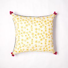 fifi vintage cushion Vintage Cushions, Indian Textiles, Little People, Hand Stitching, Soda, Printing On Fabric, Bed Pillows, Traditional, Prints