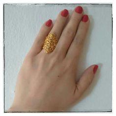 Bom dia!!  Que essa semana seja muito abençoada e de muitas alegrias!!   Anel Mazzo folheado a ouro com garantia.  ▃▃▃▃▃▃▃▃▃▃▃▃▃▃▃▃▃▃▃▃▃▃▃ Oferta secreta Cassie: cadastre o seu email em nossa newsletter e descubra!  ▃▃▃▃▃▃▃▃▃▃▃▃▃▃▃▃▃▃▃▃▃▃▃ #Cassie #semijoias #acessórios #folheadoaouro #folheado #instasemijoias #instajoias #fashion #lookdodia #dourado #tendências #banhadoaouro #lindassemijoias #semijoia #semijoiasfinas #feminino #anel #anéis #lindosanéis #berloques #aneldourado #anelgrande