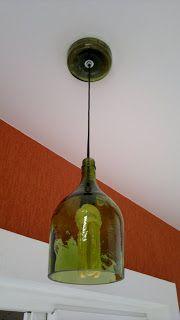 Quebrando a casa: Lustre de Garrafa de Vidro