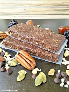 No-Bake Energy Bars with Dates & Nuts | Love.Bake.Read