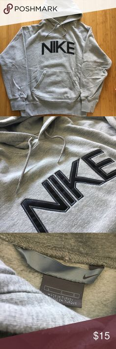 Nike Pullover Sweatshirt - Mens Size Large L Nike Pullover Sweatshirt - Mens Size Large L  Just your basic pullover type sweatshirt. Drawstring hood. Handwarmer front pocket.  Excellent condition. Nike Sweaters