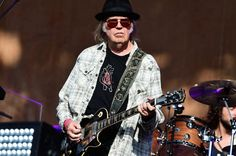Neil Young Launching Live Stream Series For Fans Cooped Up During Coronavirus Emergency - neroo news Neil Young Archives, Rock Anthems, Daryl Hannah, Becoming An American Citizen, Jim Morrison Movie, Nikki Sixx, Rock And Roll Bands, Kings Of Leon, Patti Smith