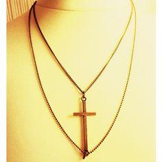 Colgante de cadena doble con cruz