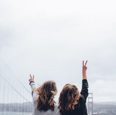 Depuis quelques temps lors de mes échanges avec mes proches, je me suis rendue compte que les personnes les plus heureuses étaient celles qui se rapprochaient de leurs rêves d'enfant. Nous avons toujours su au fond de nous ce qui nous faisait vibrer, mais en grandissant, les obligations et les codes moraux de la société nous ont éloigné de nos idéaux auxquels nous aspirions. Vous allez me répondre «oui c'est la vie et pas le monde des bisounours», malheureusement je ne suis pas d'accord…