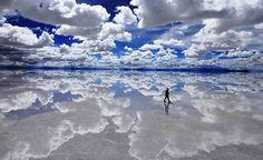 Salar de Uyuni, Bolívia - O Salar de Uyuni é a maior planície de sal do mundo, com 10.582 quilômetros quadrados. O maior lago salgado do mundo contém quase metade das reservas de lítio do planeta Créditos: Getty Images