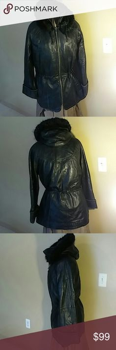 Wilson Leather hooded jacket Very nice leather jacket the with a removable Thinsulate liner and removable hood, pull strings to sinch waist. Pelle Studio. Wilsons Leather Jackets & Coats Utility Jackets