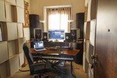 Music Recording Studio, Audio Studio, Home Studio Setup, Studio Gear, Audio Room, Dj Booth, Office Interiors, Fender Telecaster, Studio Design