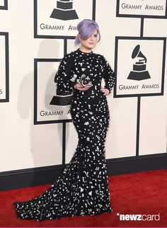 TV personality Kelly Osbourne attends The 57th Annual GRAMMY Awards at the STAPLES Center on February 8, 2015 in Los Angeles, California.  (Photo by Jason Merritt/Getty Images)