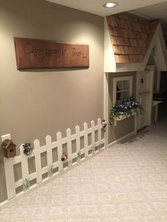 Cute indoor picket fence adding a touch of whimsy to the playroom Indoor Playhouse, Build A Playhouse, Under Stairs Playroom, Picket Fence Decor, Building A Fence, Dog Rooms, Big Girl Rooms, My New Room, Play Houses