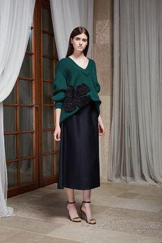 Новая коллекция Masterpeace х J.Kim | Мода | Новости | VOGUE Dress Up Outfits, Casual Dresses, Girls Dresses, Couture Fashion, Hijab Fashion, Fashion Dresses, 2016 Fashion Trends, Milan Fashion Weeks, Long Skirt Looks
