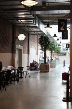 De Foodhallen Amsterdam De Filmhallen http://www.enjoythegoodlife.nl/de-foodhallen-amsterdam/