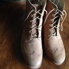 Sperry Top-Sider lace-up boots Beautiful camel Sperry boots with coral accents and gold grommets. Barely worn and excellent used condition. Open to reasonable offers! Sperry Top-Sider Shoes Lace Up Boots