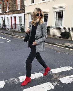 blazer xadrez com bota vermelha