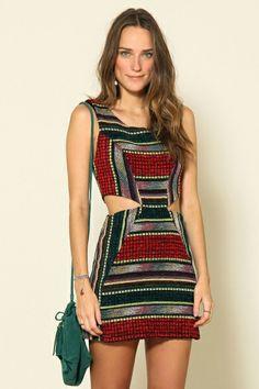 vestido recortes vazado lateral