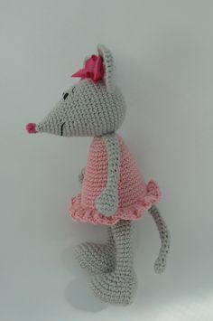 Kamlin - patterns: Miss Mouse Crochet pattern