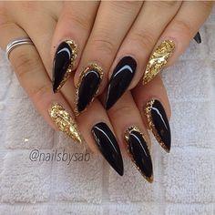 black and gold nail, gel nail, nails, nail art, stileto nail