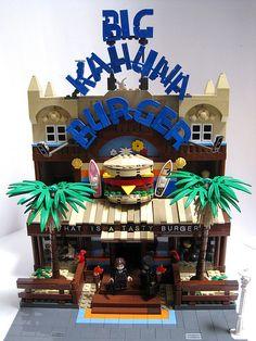 Big Kahuna Burger in Lego. I love Pulp Fiction Lego. Legos, Lego Food, Lego Boards, Lego For Kids, Lego Modular, Lego Construction, Nerd, Cool Lego Creations, Lego Design
