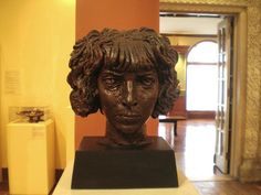 * Sculpture of Luisa Casati by Jacob Epstein, 1918