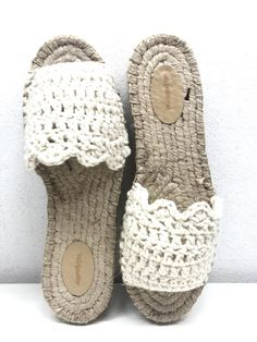 Knit Shoes, Crochet Slippers, Yarn Crafts, Huaraches, Summer Shoes, Shoes Sandals, Espadrilles, Baby Shoes, Crochet Patterns