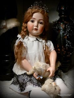 Ein Blog über das Sammeln antiker Porzellankopf-Puppen deutscher Hersteller China Dolls, Vinyl Dolls, Old Dolls, Bisque Doll, Collector Dolls, Antique Toys, Vintage Dolls, Beautiful Dolls, Barbie Dolls