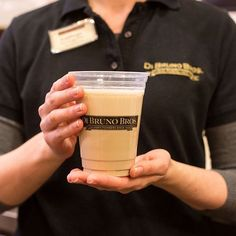 Now pouring La Colombe Draft Lattes at our Franklin Market stores (you can find these at the Rittenhouse coffee bar, too)! Coming soon to Comcast as well!
