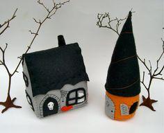 4 halloween houses