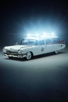 Ghostbusters Ambulance with ghost-tech