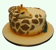 Giraffe cake! I need this for my birthday!!!!!!