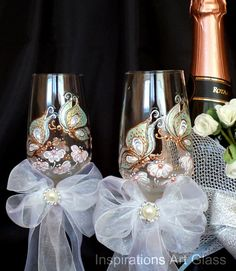 HandPainted Champagne glasses, Set of 2, Butterfly  Wedding Glasses, Wine Glasses, Spring Wedding Glasses, Pearl Glasses