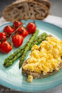 Gata în 30 de minute Archives | Bucate Aromate Good Healthy Recipes, Scrambled Eggs, Avocado Toast, Pesto, Baked Potato, Risotto, Food Porn, Good Food, Breakfast