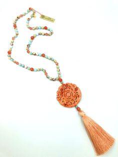#necklace #stones #cristal #gemme #jade - La collection Jade est composée de pierres semi-précieuses Collection Jade :: creation-aum #Les Collections AUM :: creation-aum.com Sautoir - Pendentif Jade Corail :: creation-aum.com
