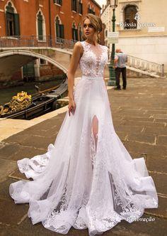 Vestido de noiva Renovação. | Para saber mais, acesse: russianoivas.com #vestidodenoiva #vestidosdenoiva #vestidosdenoivas #weddingdress #weddingdresses #casamento #wedding #noiva #bride #brides #bridesmaid #russianoivas #lançamento #coleção2019 #collection2019