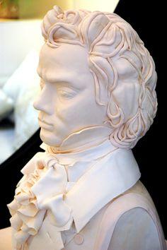 Beethoven Cake by Shinmin Li, creator of I Dream of Cake. I wish she was still in biz. My favorite decorator!