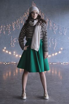 Every day is a skirt day. Green skirt outfit for those first days of cold autumn. #greenskirt #winteroutfit