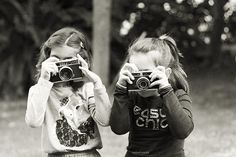 ▫Duets▫ sisters, twins & groups of two in art and vintage photos - camera buds
