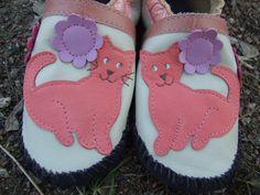 kids moccasins pretty kitty pattern
