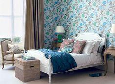 Para um final de semana bem florido! :) O floral nos quartos deixa a decoração romântica, delicada e alegre.