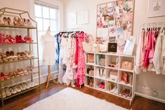 Guest Bedroom Home Office, Bedroom Decor, Wardrobe Room, Parents Room, Hygge Home, Luxury Closet, Boutique Interior, Home Organization, Organizing