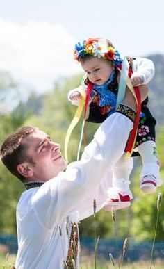 Daddy & me ♥ Ukrainian man and his daughter in ethnic clothes Folk Costume, Costumes, Travel To Ukraine, O Rico, Daddys Little Girls, Thinking Day, We Are The World, My Heritage, People Around The World