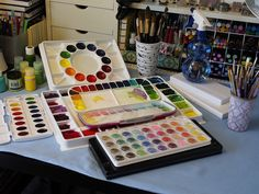 make your own watercolor palette.