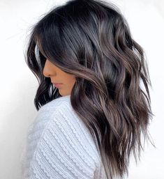 Here, 60 Latest Short haircuts and Hair Color Ideas. Whether you're thinking of getting a sleek and sexy bob, a smart and chic pixie, Whether you choose to straighten, curl or even a natural choice that there's a perfect short hairstyles waiting for you. Long Face Hairstyles, Brown Hairstyles, Hairstyle Men, Short Haircuts, Formal Hairstyles, Wedding Hairstyles, Medium Length Wavy Hairstyles, Fun Hairstyles, Boy Haircuts