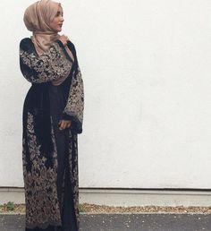 Laylah Velvet Open Abaya