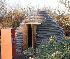 Describes the building of a small earthbag sauna. Diy Sauna, Sauna House, Sauna Room, Building A Sauna, Natural Building, Saunas, Homemade Sauna, Tulum, Portable Steam Sauna