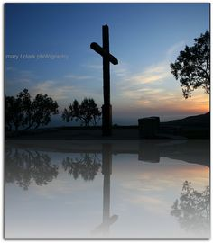 The Cross at Grant Park by MaryTClark, via Flickr