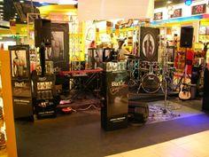 Concierto de Rock Aeropuerto de Palma. Presentación Black XS. Año 2009