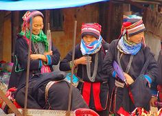 Red dao tribe women (Tám Sơn, Vietnam).  asian woman, asian women, chainmail necklaces, Dzao, hat, headwear, hill tribes, Indigenous, Quản Bạ, Tam Son, tribe girls, turban, Yao.