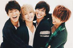 Strawberry Ryosuke - newsnoai:   //family hugs//
