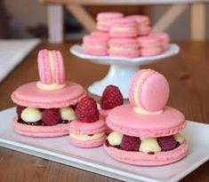 makronky, maliny a bíločokoládová ganache 🤗 Food And Drink, Cupcakes, Yummy Cakes, Cupcake Cakes, Cup Cakes, Muffin, Cupcake