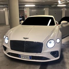 69 Ideas For Luxury Cars Dreams Bentley Continental Bentley Auto, Bentley Motors, New Bentley, New Sports Cars, Sport Cars, Rolls Royce, Bentley Continental Gt Convertible, Continental Cars, Muscle Cars